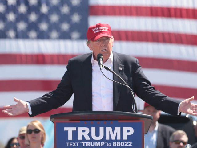 Präsidentschaftskandidat Donald J. Trump hält eine Rede in Arizona.