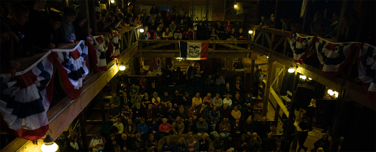 Ein Town Hall Meeting in Iowa.