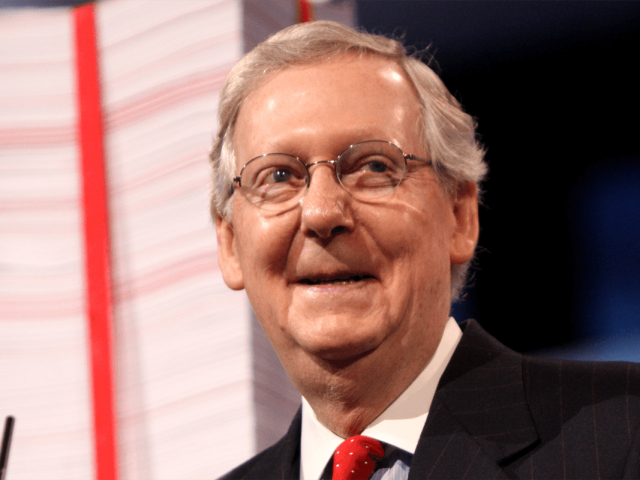 Mitch McConnell hält eine Rede auf der Conservative Political Action Conference in Maryland.