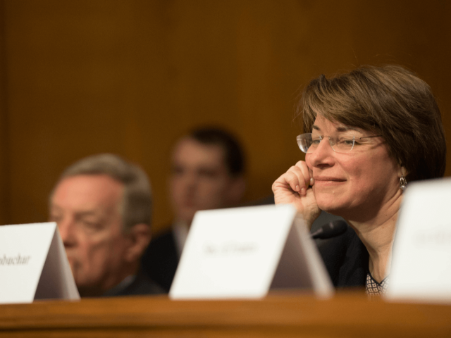 Senatorin Amy Klobuchar bei einer Supreme-Court-Anhörung.