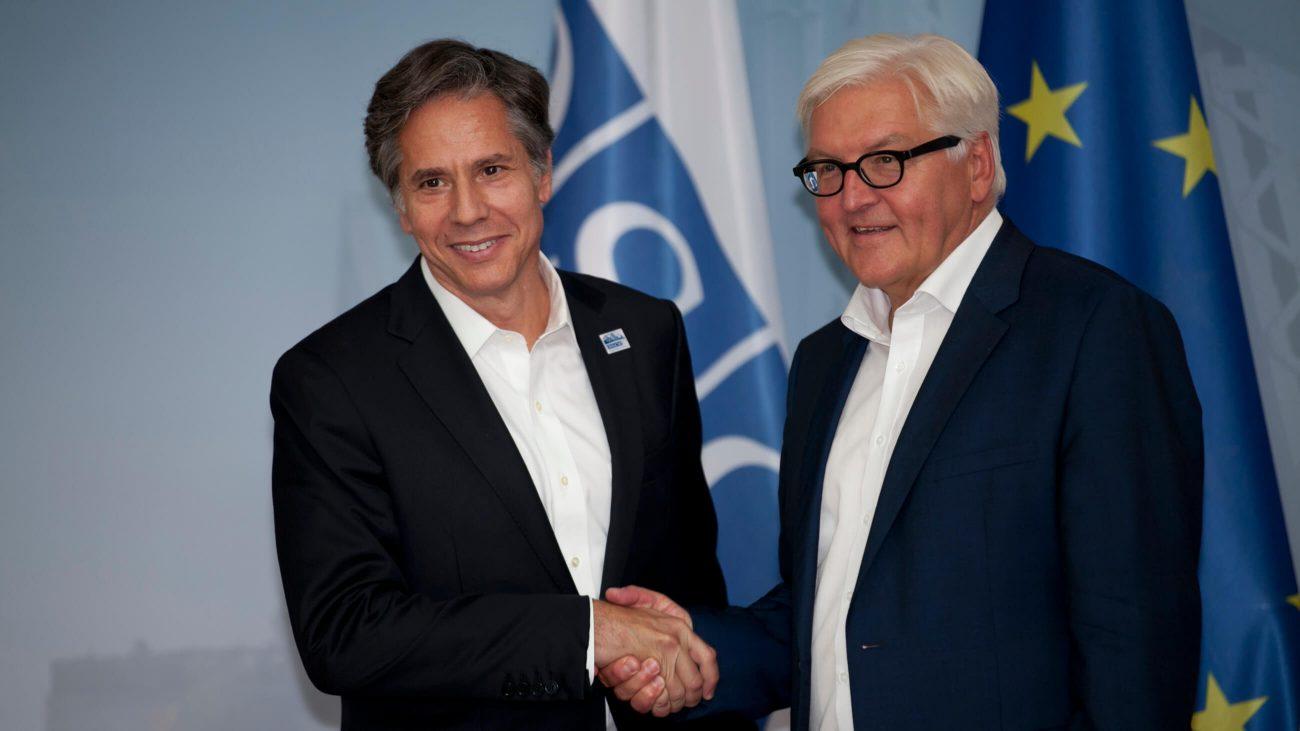 Tony Blinken mit dem damaligen deutschen Außenminister Frank-Walter Steinmeier bei einer OSZE-Konferenz in Berlin.