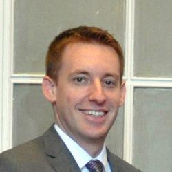 Der Innenminister von Missouri unterzeichnet ein Unterstützungsstatement für die Nationalgarde des Staates.