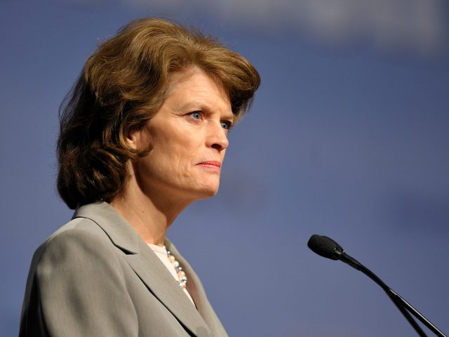 Lisa Murkowski hält eine Rede beim Energy Innovation Summit 2011.