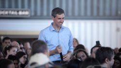 Beto O'Rourke bei einer Fragerunde in Phoenix, Arizona.