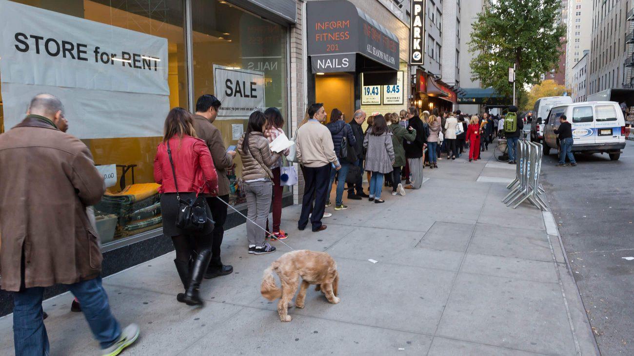 Schlange vor einem Wahllokal in New York CIty bei der US-Wahl 2016.